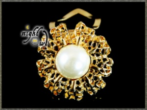 Scarf Clip - Gold Tone with Pearl Centre