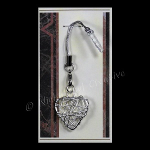 Wired Heart Mobile Phone Charm for Smartphone, iPhone, Samsung, HTC etc