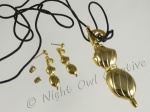 Gold Tone Umbrella Pendant Necklace and Earrings Set